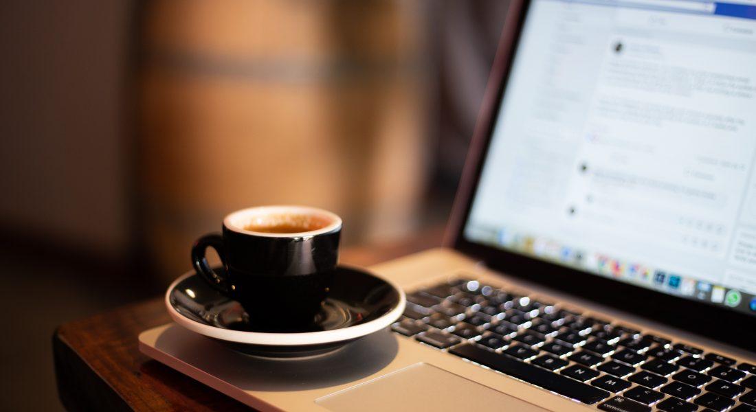 el-tropezon-y-caida-de-facebook-arantxa-vico-marketing-online-digital-redes-sociales-auditoría-consultoría-inbound-influencers-palma-mallorca-social-media-agencia-comunicación-blog-contenidos-content